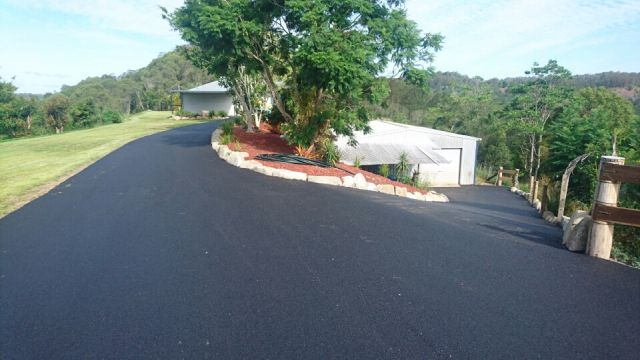 Landscaping Pebbles Sunshine Coast : Fencing entrances and driveways gympie to sunshine coast